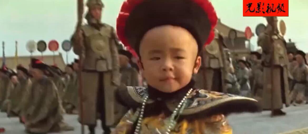 末代皇帝从故宫龙椅取出小时候藏得玩具 这一刻沧海桑田