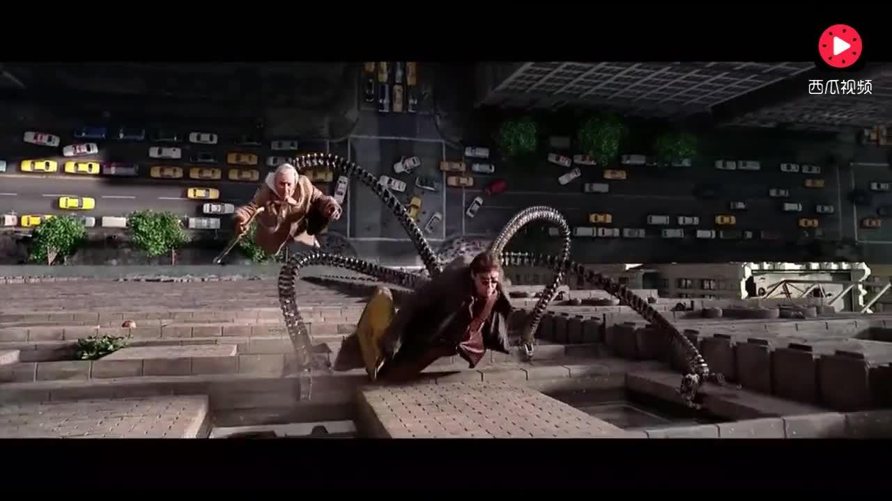 比起漫威的超级英雄,我觉得这位老太太才是,漫威大boss!