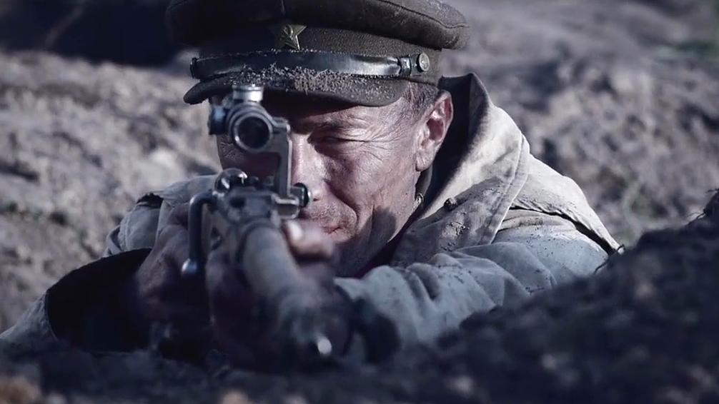 狙击手为了节省子弹,等敌军排好队形,一枪串糖葫芦,精彩