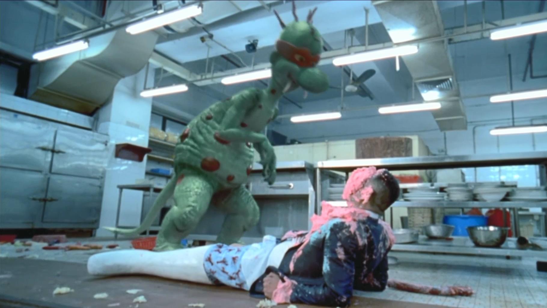 #经典看电影#男子虐待小恐龙,小恐龙变大后,拉了他一脸粑粑