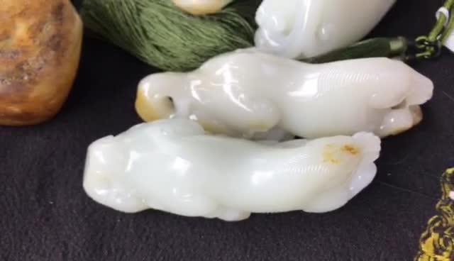 #新疆和田玉籽料#羊脂和田玉籽料收藏通货,1300000贵在哪里?