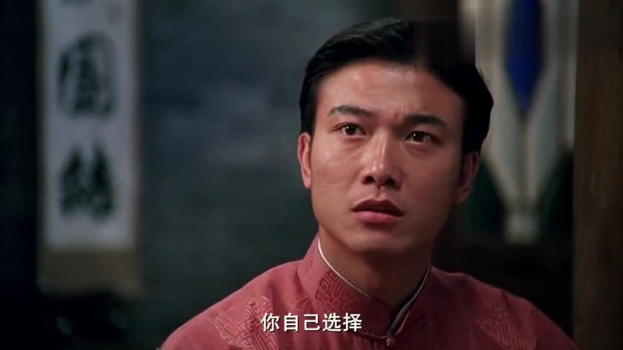 #电影最前线#霍元甲儿子因妒生恨,与陈真比武逼他离开精武门,被陈真一顿胖揍