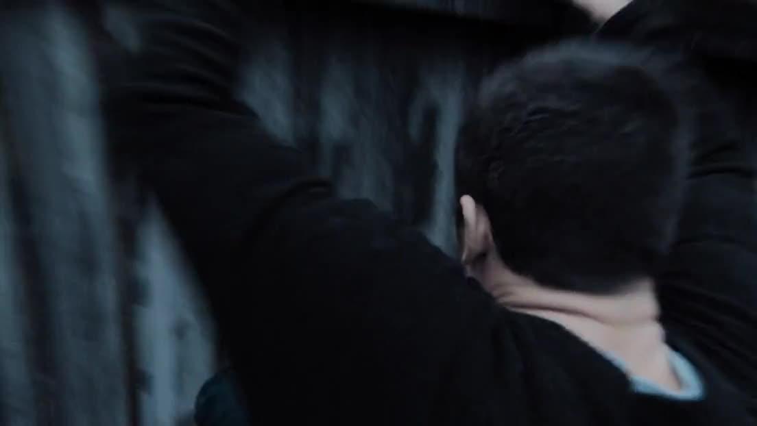 #经典看影视#奎恩被困孤岛5年,回来后遭绑架,不料身手不凡