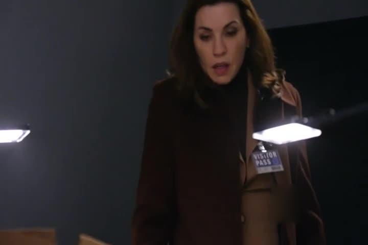 女律师寻找线索,空旷的小房间,太让人压抑了!
