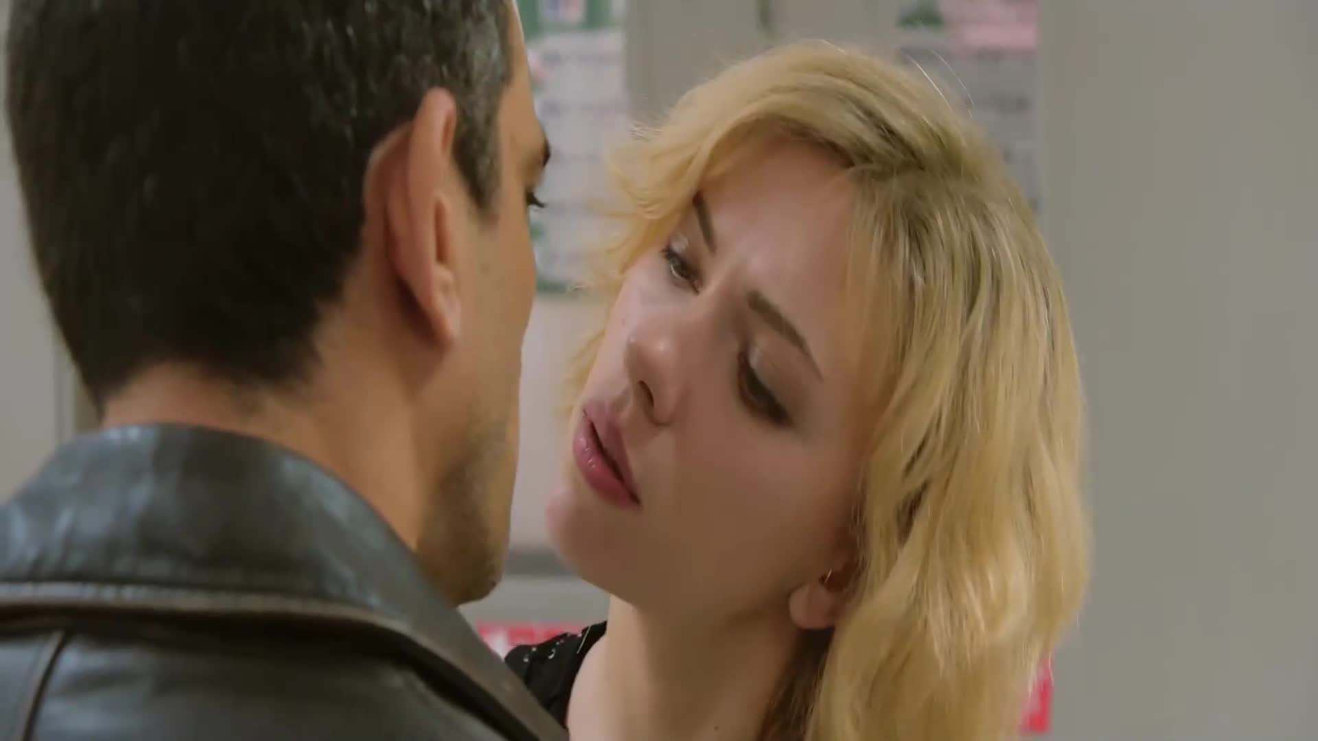 #超体#臭小子竟夺走了女神斯嘉丽的荧幕初吻,3千万光棍表示你别走