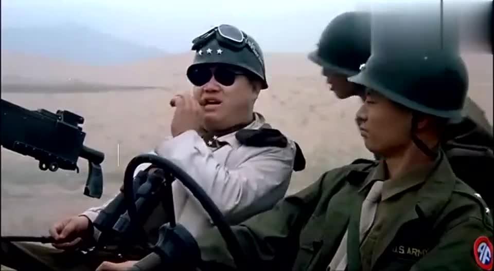 看看当年冯小刚和葛优在美式吉普车上怎么吹牛的.