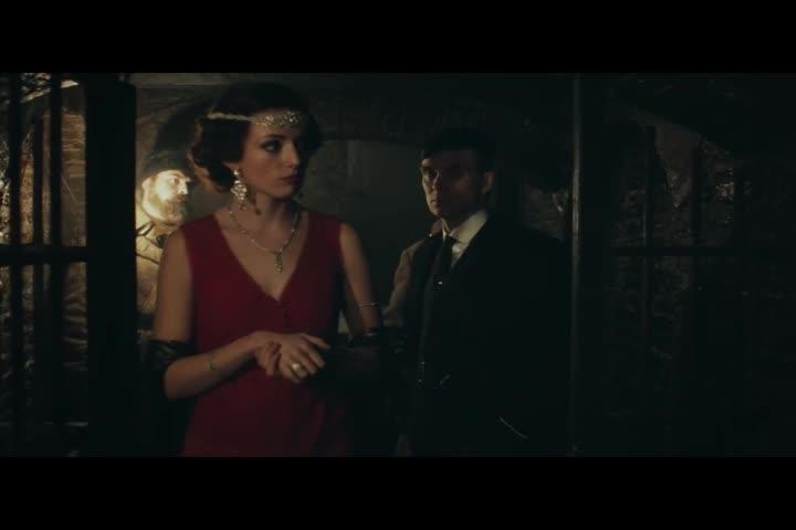女子带男子进了珠宝库,告诉选择流程,男子若有所思