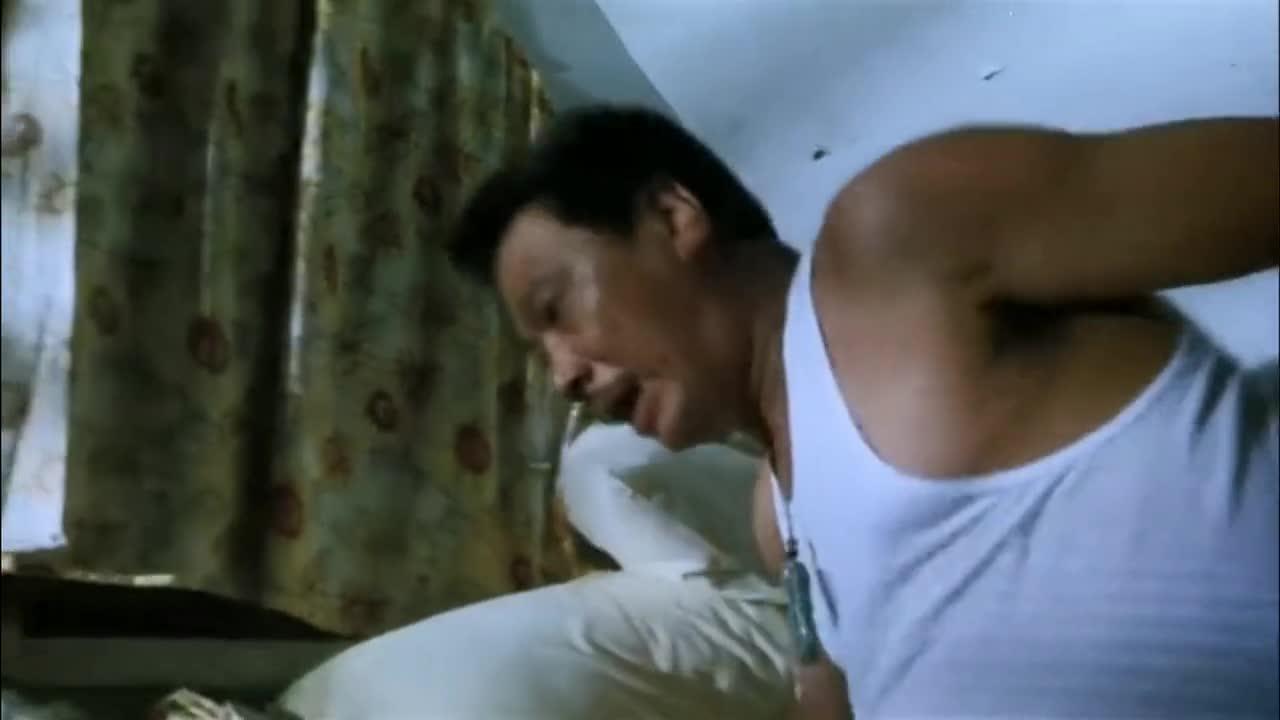 #无厘头电影#当奶牛遇到达叔,每天早上都要面临折磨,看着都可怜