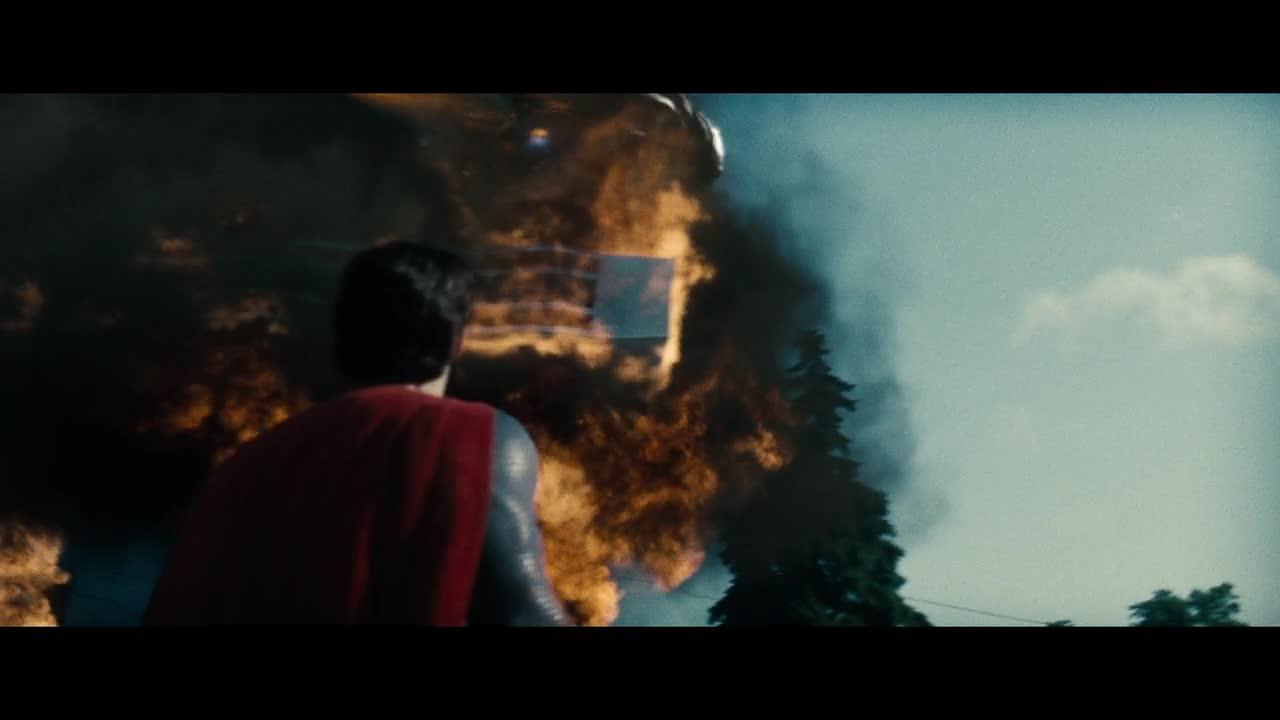 #精彩大片#超人钢铁之躯 超人看到两个怪人,军队赶过来要用使命武器!