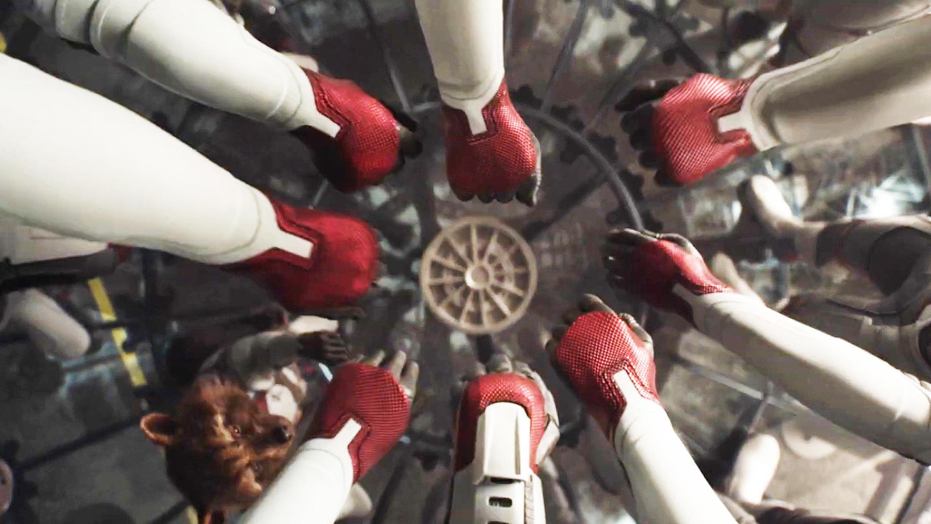 《复联4》新预告,全员新战服集结,绿巨人也穿上了!