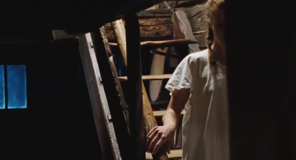 小女孩想帮妈妈,没想到妈妈居然这么说,真过分
