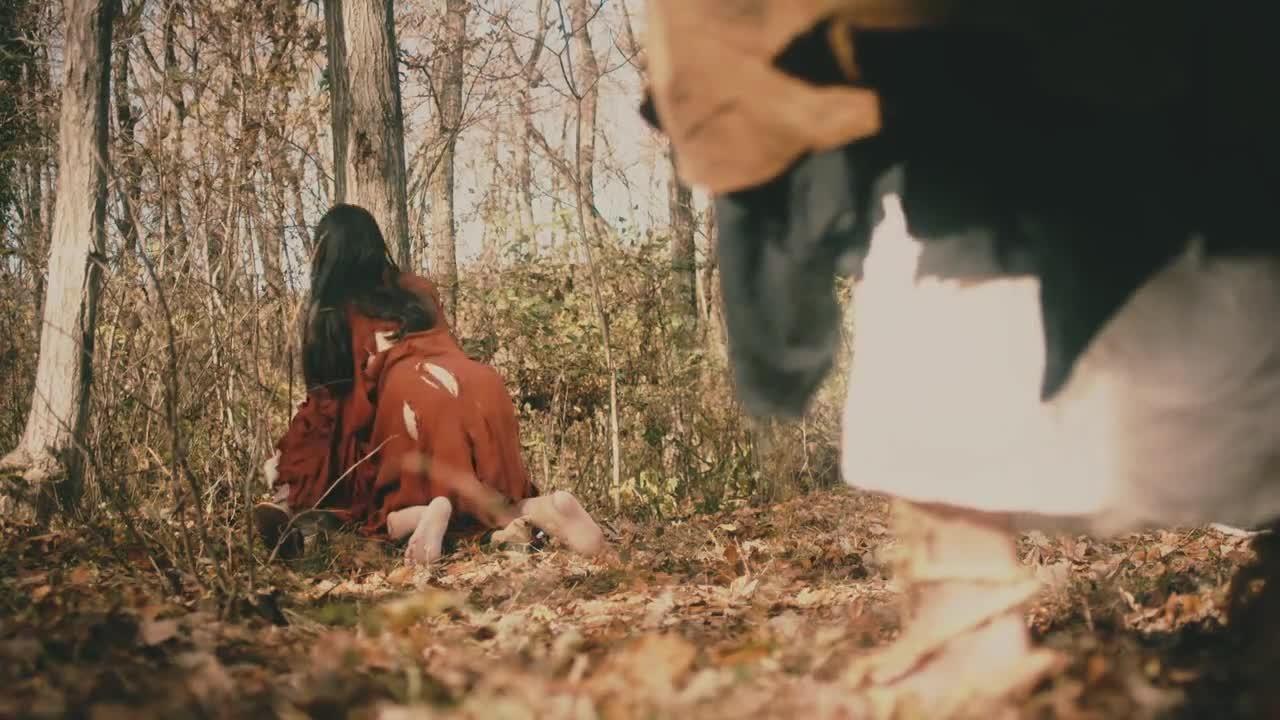 俊和尚在荒山野岭要超度女鬼,却被她法克了