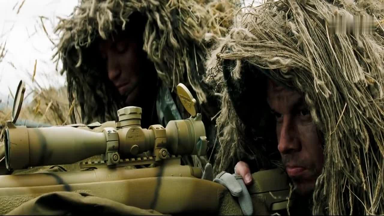 生死狙击:两名狙击手瞄准敌人,却不动手,是要叛变啊