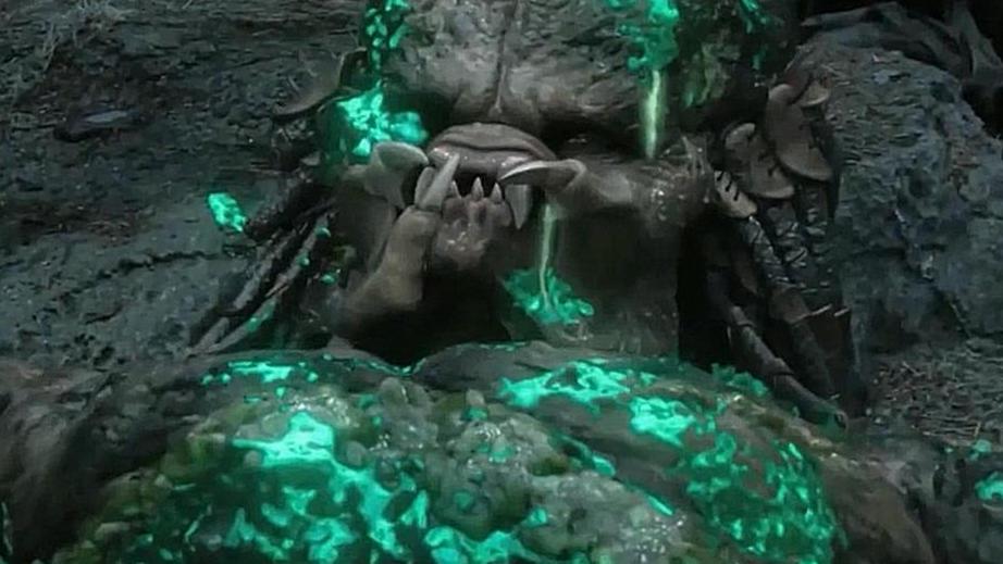 #电影最前线#人类一家三口大战终极铁血战士,最终用铁血战士的装备将其干掉