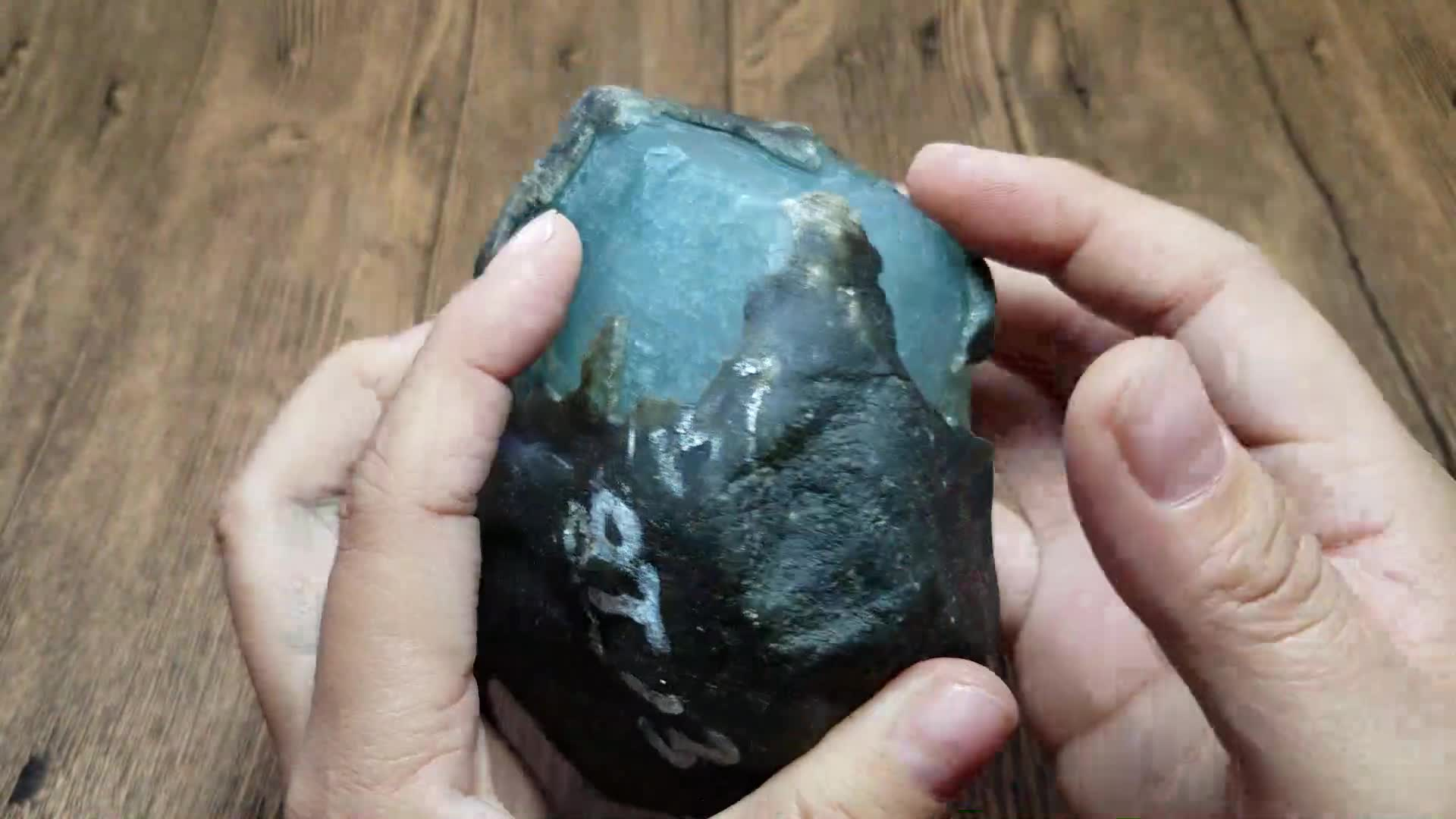 #赌石#一千块买回来的原石,切开后的成品一套别墅都不换!