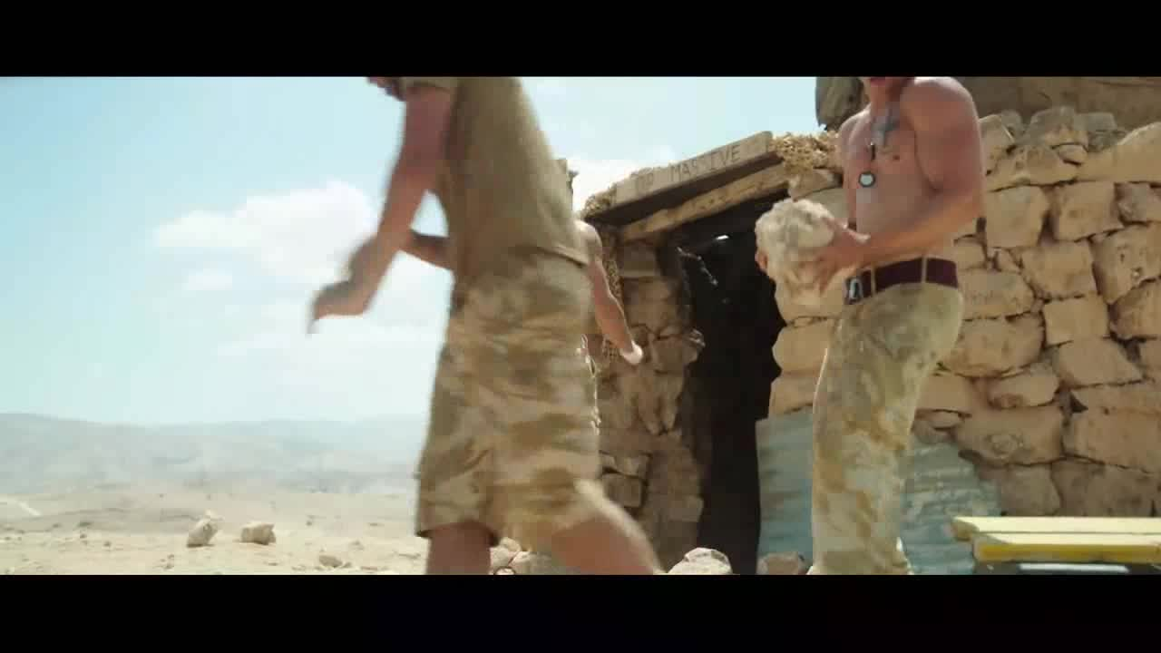 士兵们在山上执行任务,居然这么锻炼,真聪明
