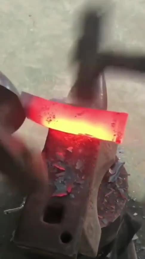 师傅说不会玩音乐的铁匠不是好工人!