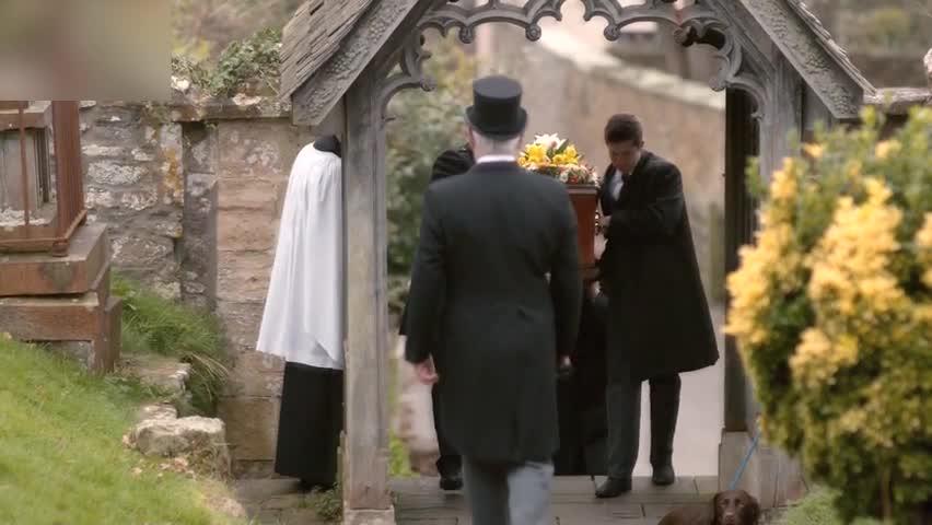 失踪人口已回来,去参加葬礼的人,却都不理解事情的真正意义