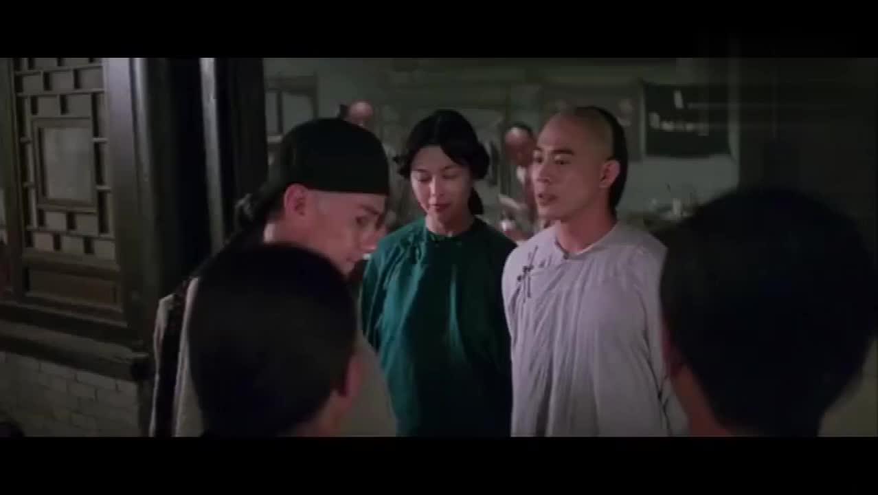 #经典看电影#梁宽身藏兵器,黄飞鸿却让他扎马步!十三姨笑了