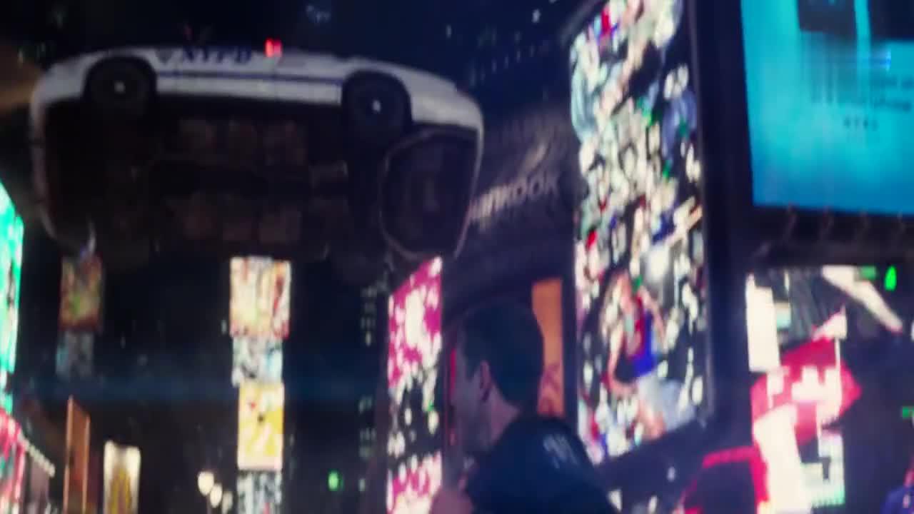 #科幻大片#变异人被警察激怒,能量爆发威力巨大,方圆十里全被震飞!