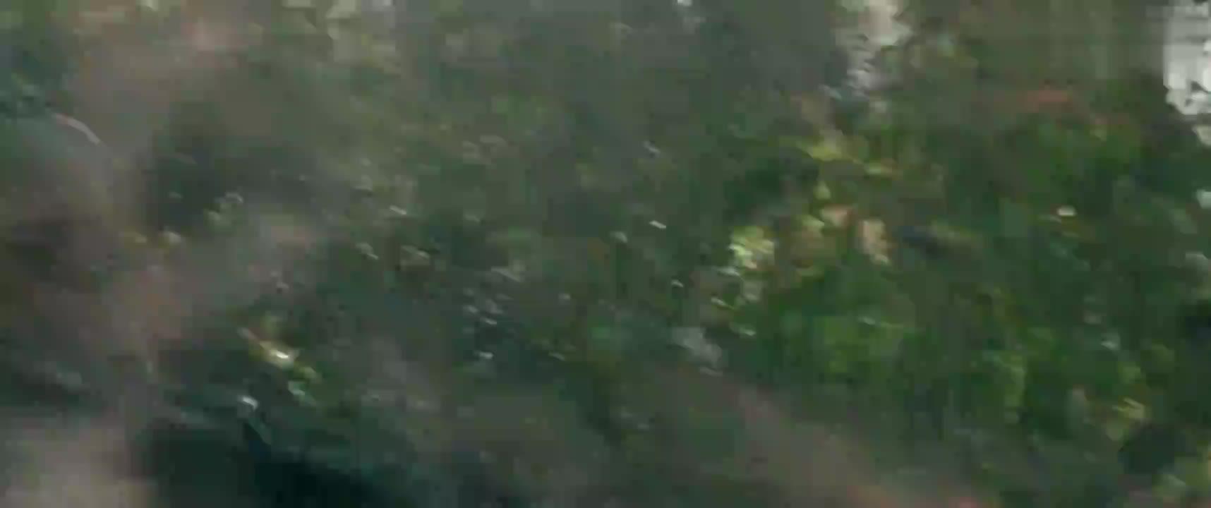 #经典看电影#最新科幻大片,特种部队临死前引爆炸弹!与外星战舰同归于尽