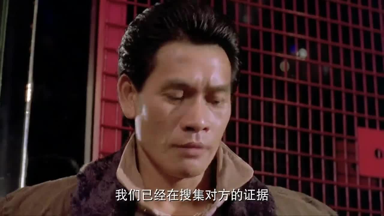 成龙、元彪、洪金宝在酒吧大打出手, 元华道出真理!