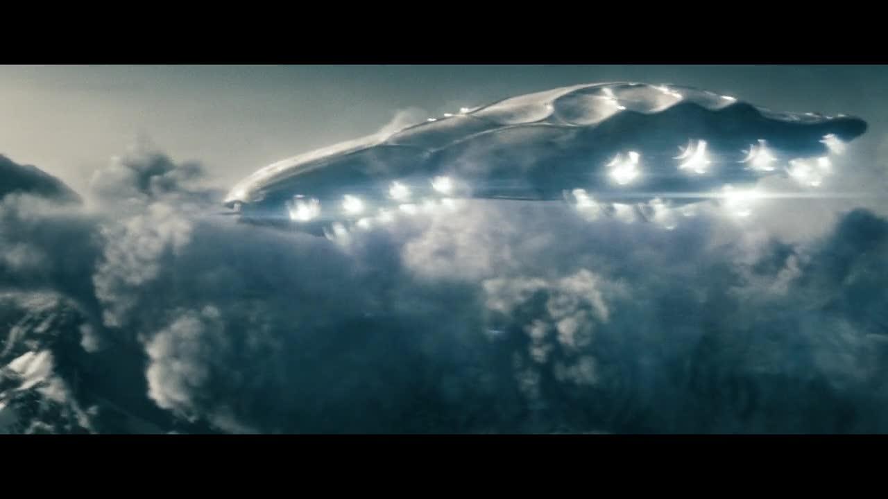 #精彩大片#超人钢铁之躯 99 超人被触手抓到,丢进了光线之中!