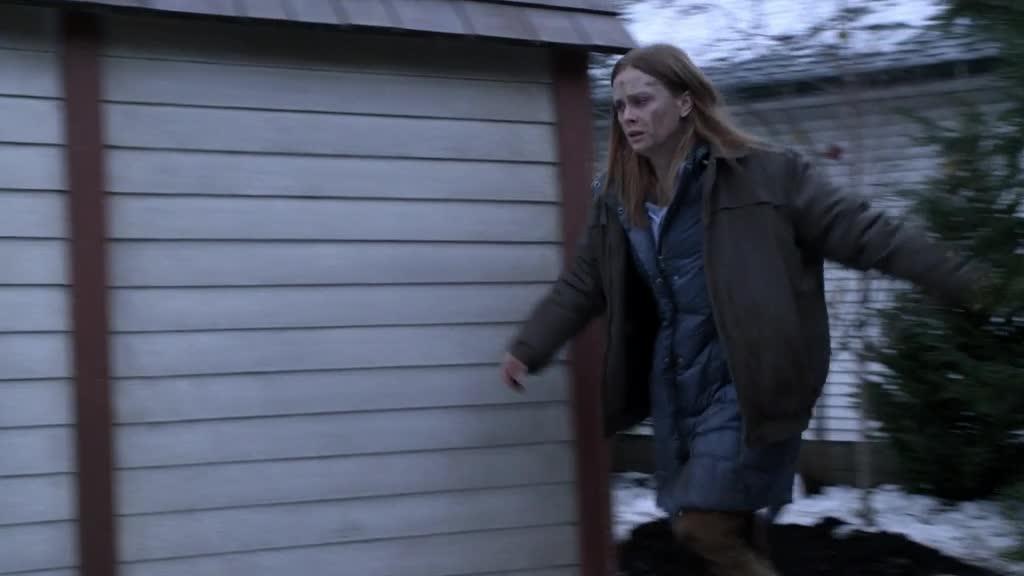 可怜的邻居,被女子骗去喂她的吸血鬼丈夫
