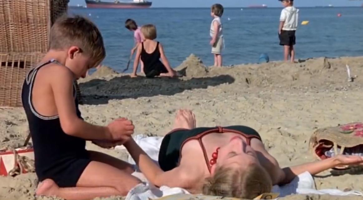 #经典看电影#1979年美国上映的,扭曲的人性被揭露到极致,18岁以上观看