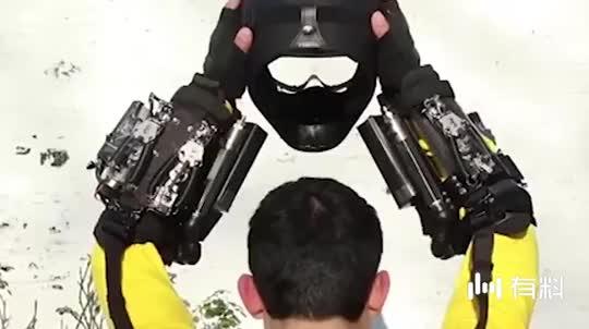 英国小伙逆天发明,穿上这套装备就能变身蜘蛛侠?