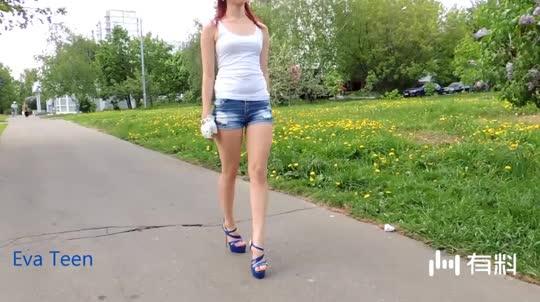 蓝色高跟凉鞋展示,宝蓝色也太有气质了吧