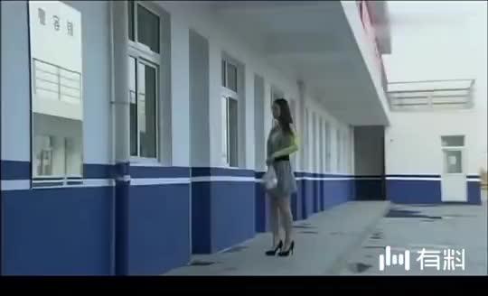 零号国境线:女子精心打扮来约男警看电影,男警却当场拒绝!