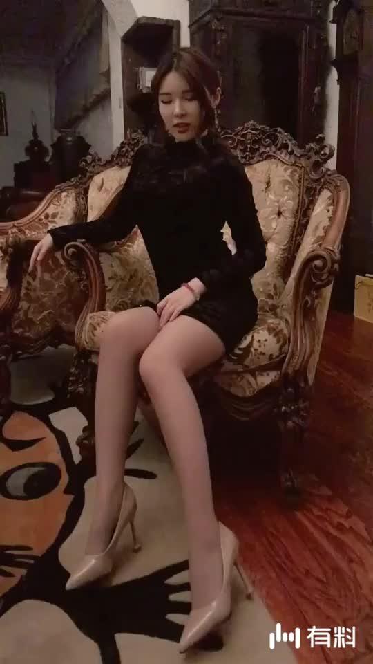 #最sexy的放肆摇摆#椅子上的舞动