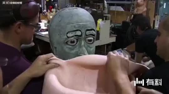 真正的巨头,眼睛还会动。